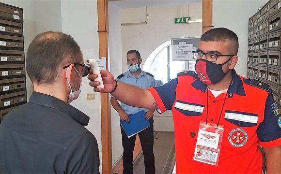Humanitas, misurazione temperatura in Ufficio Notifiche e Protesti